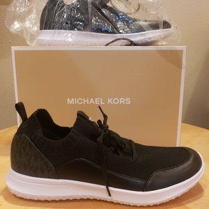 Michael Kors Merlyn Mesh Trainer size 9 NIB